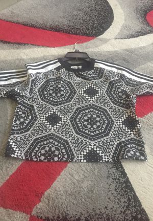 Women adidas medium $15 for Sale in Shaker Heights, OH
