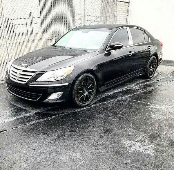 2013 Hyundai Genesis V8 Black on Black w/Chrome Finish $1200 Down