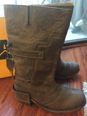 New CATERPILLAR Liv Brown Leather Boots for Sale in Santa Monica, CA