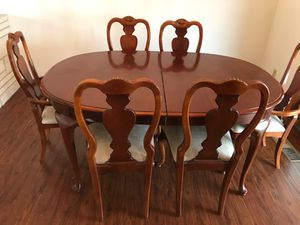 Dining table for Sale in Pasco, WA