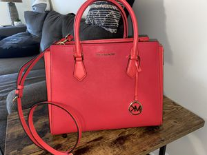 Micheal Kors purse for Sale in Baltimore, MD