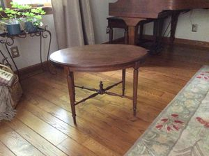 Antique coffee or side table for Sale in Monaca, PA