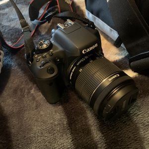 Canon Eos Rebel T6i for Sale in Vancouver, WA
