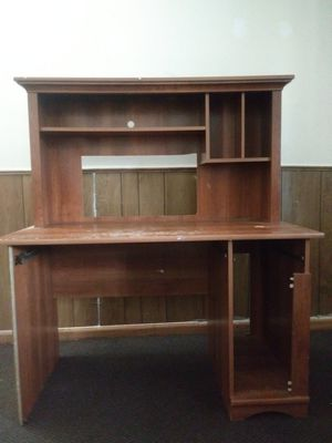 Free desk for Sale in Acton, MA