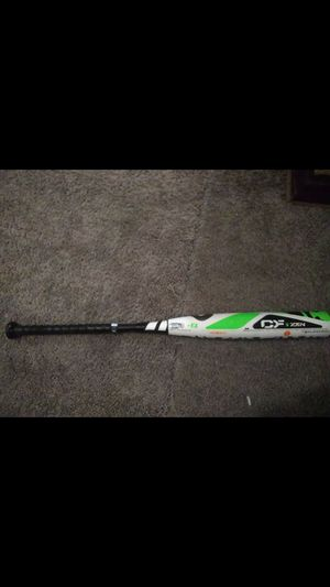 Zen bat 32/24 drop 8:used last year in great shape. This is a nice bat with alot of pop for Sale in Columbus, OH