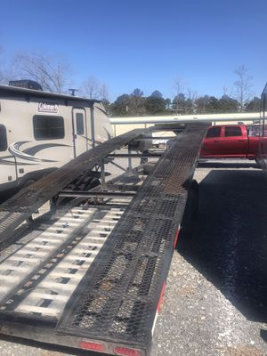 35 ft two car hauler with straps and aluminum ramps for Sale in North Little Rock, AR