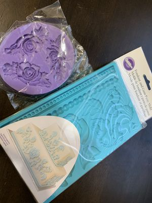 3D Rose Flowers Shaped Silicon Fondant/Chocolate Mold Fondant and Gum Paste Silicone Mold Baroque Rose for Sale in Lancaster, CA
