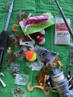 2x Shakespeare sp30k rod & reel plus gear &fish bucket for Sale in Tucson, AZ