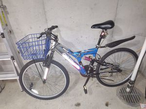 Mountain bike for Sale in Norwood, MA