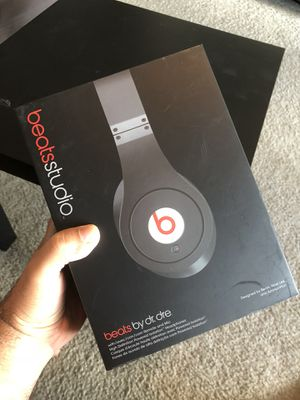 Beats Studio 1 barely used, with box, collectors item. for Sale in Orlando, FL