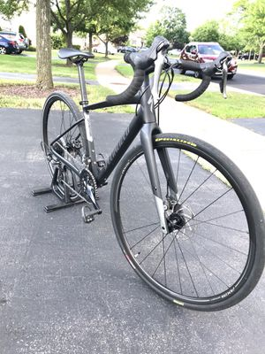 Awesome SPECIALIZED Diverge A1 Gravel bike in EXCELLENT condition. Tuned and ready to ride. for Sale in Carol Stream, IL