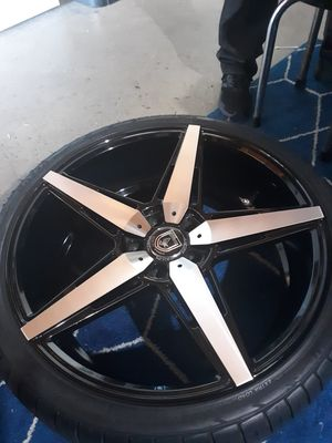 Elegant luxury wheels for Sale in Fresno, CA