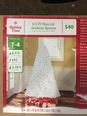 6.5 ft Jackson Spruce White Christmas Tree for Sale in Brush Prairie, WA