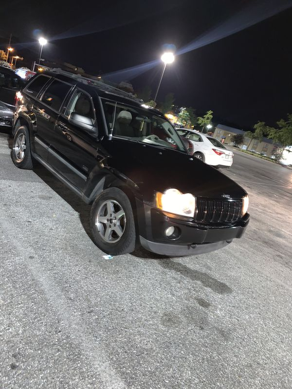"$3700 ""obo"" 2007 Jeep Grand Cherokee Towing capacity: 3,500 lbs MPG: Up to 17 city / 22 highway Tire size: P245/65R17 Fuel tank capacity: 21.1 gal Tr"