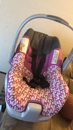 Infant Car seat for Sale in Columbus, OH