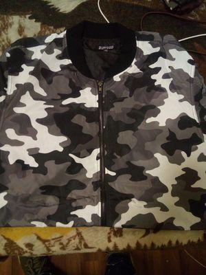 Camo jacket for Sale in Los Angeles, CA