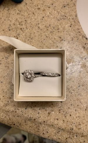 Engagement and wedding ring set with warranty for Sale in Washington, DC