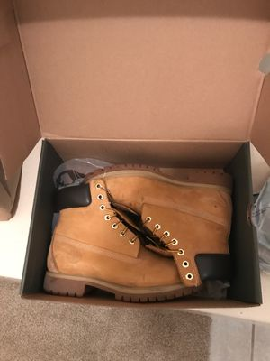 Size 7 Mens Timberlands for Sale in LAKE OF WOODS, VA
