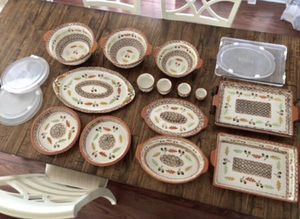 NEW Temp-rations Old World Harvest 14 Pc Bakeware Set with Lids and wire rack for Sale in Pompano Beach, FL