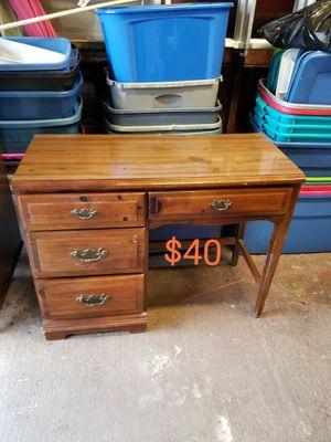 Desk for Sale in Chillicothe, IL