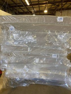 Mattress blow out sale CE for Sale in Paramount,  CA
