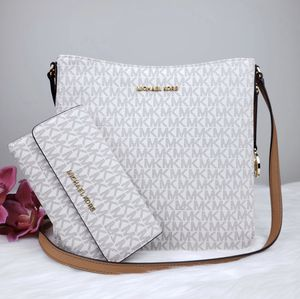 Michael Kors crossbody with matching wallet for Sale in Richmond, CA