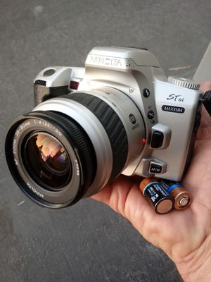 Minolta Maxxum ST si 35mm Film SLR w/Batteries! for Sale in Montclair, CA