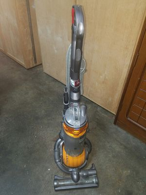 Carpet floor vacuum Dyson DC25 good!! for Sale in San Francisco, CA