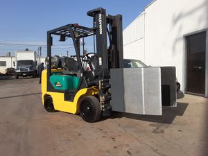 "FORKLIFT ""KOMATSU"" 2007 W/82"" CLAMP $7,980!!!! THIS IS WORTH $17,000 HURRY!!!LOW HOURS $7,990!!!! WHOLESALE for Sale in Santa Fe Springs, CA"