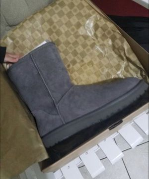 Brand new uggs size 7 for Sale in New York, NY