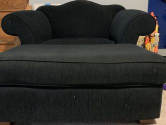 Matching Love Seat And Ottoman for Sale in Rockville,  MD