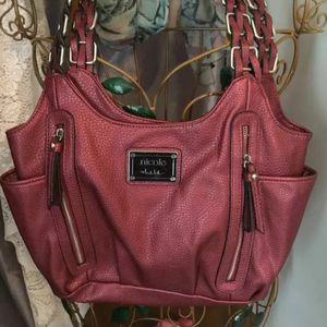 Vintage Nicole Miller Tote Purse Faux Leather Lots If Compartments Euc Clean Great Bag For Organizing Your Stuff !! for Sale in Northfield, OH