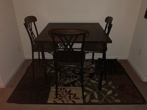 5pc Dining Table plus 2bar stools for Sale for sale  Atlanta, GA