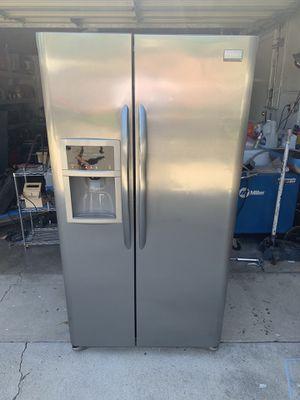 Great Fridge refrigerator for Sale in Placentia, CA