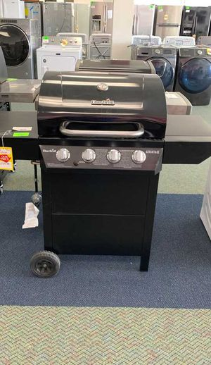 NEW CHAR BROIL GAS GRILL 5NVB for Sale in Los Angeles, CA