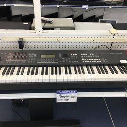 Yamaha Keyboard for Sale in Mansfield,  TX