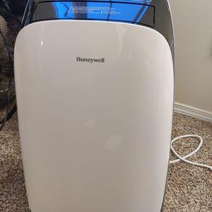 Portable Air Conditioner 12000 BTU, Runs Quiet, Nice Unit for Sale in Portland, OR