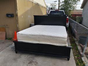 Cal king $120 good shape for Sale in Phoenix, AZ