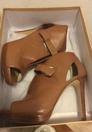 Michael kors heels 9 1/2 for Sale in Bakersfield, CA