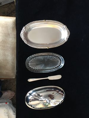 Sheriden SilverPlate Butter Dish w/ Starburst Insert & William Rogers Butterknife for Sale in Lincolnia, VA