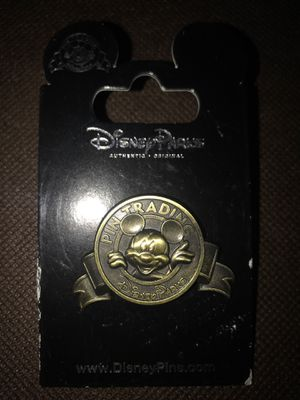 pin trading mickey logo pin disney parks for Sale in Las Vegas, NV