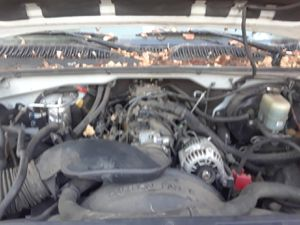 01 gmc z71 5.3 4wd part out for Sale in Napa, CA