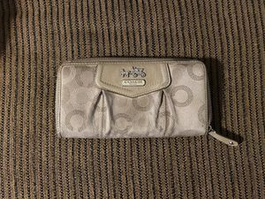 Coach wallet for Sale in Yuma, AZ