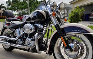 2011 Harley davidson softail deluxe for Sale in Deerfield Beach, FL