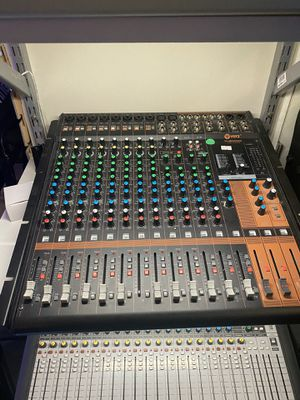 16 channel mixer for Sale in Anaheim, CA