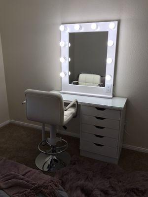 Complete Makeup Vanity Mirror Set for Sale in Las Vegas, NV