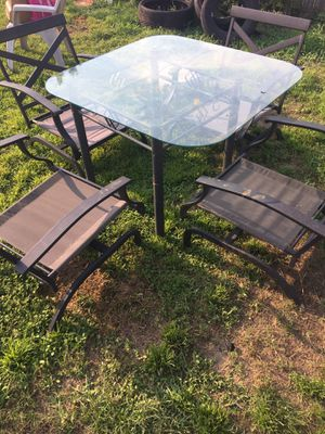 Table and chairs for Sale in Pensacola, FL