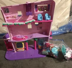Shopkins mall /furniture dolls included for Sale in Aurora, CO