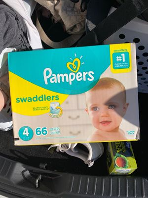 Pampers swaddles size 4 (66 count) for Sale in Chula Vista, CA