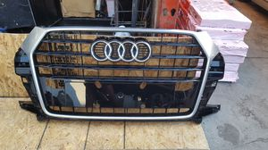 2016 2018 AUDI Q3 front bumper grille assembly OEM used 8U0.853.653 M for Sale in Wilmington, CA